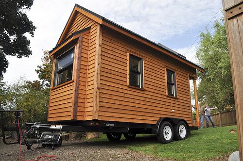tiny house bauplan m rchenhaftes tiny house pinkfarbener wohntraum auf 15 quadratmetern wohnen. Black Bedroom Furniture Sets. Home Design Ideas